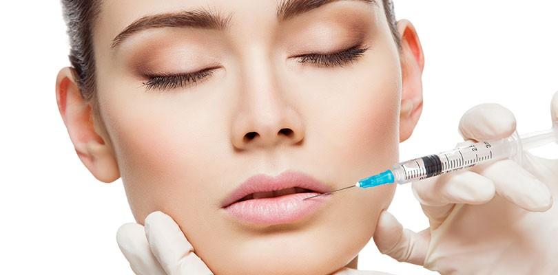 Injection dans les lèvres d'acide hyaluronique à Paris 16 | Dr Chouquet